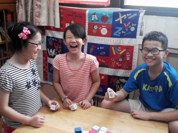 兒童說故事骰子 遊戲